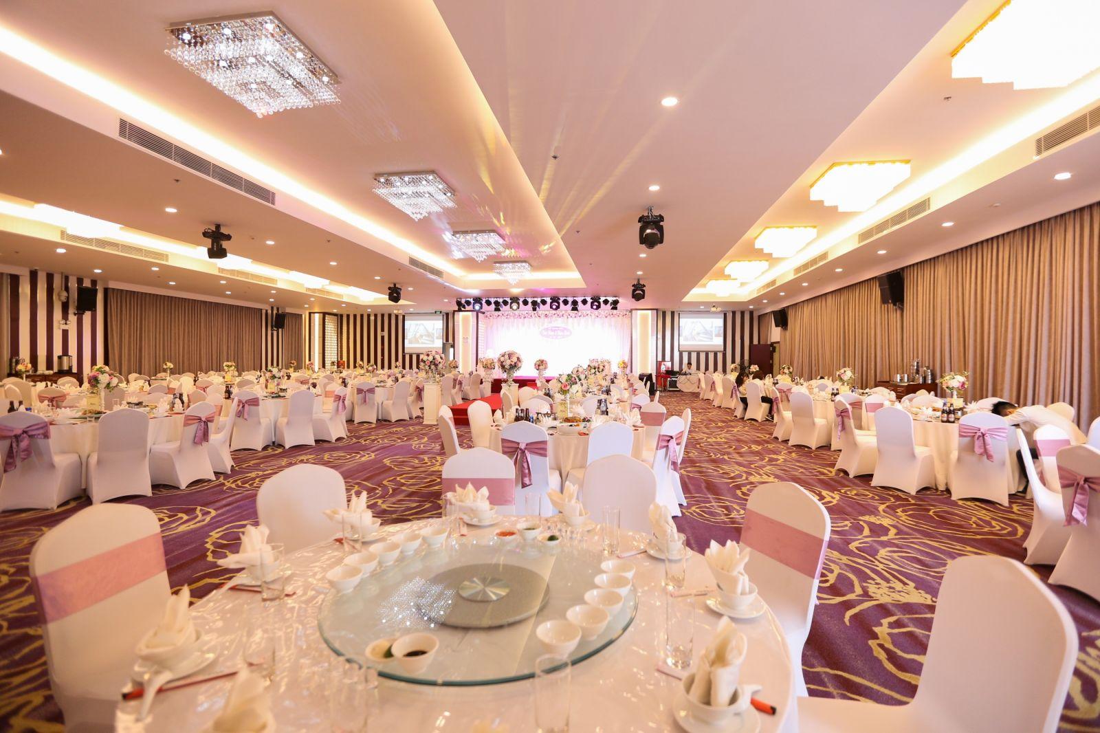 Mức giá tổ chức trung tâm tiệc cưới Hà Nội