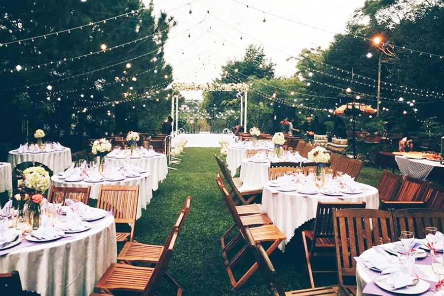 Tổ chức tiệc cưới ngoài trời ở Hà Nội
