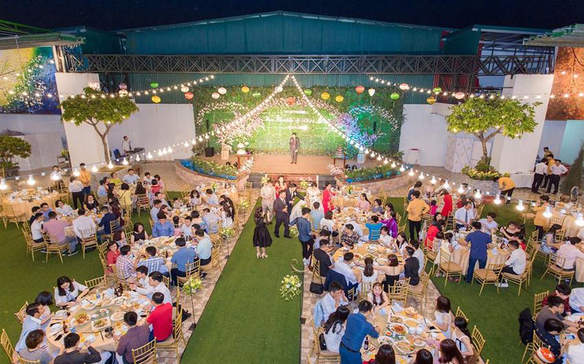 Tổ chức tiệc cưới ngoài trời Hà Nội